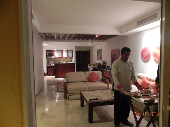 Hacienda Tres Rios: Butler in Los Hodas building