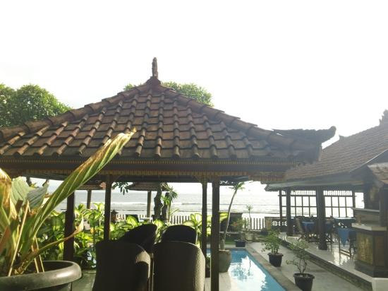 Dewa Bharata Candidasa Bungalows: View from our room