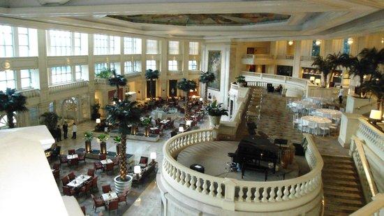 The Peninsula Manila: Impressive lobby