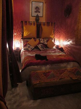 Riad Dar Eliane: Comfortable ground floor room