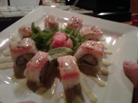 Matsu Japanese Restaurant: Another tasty roll!