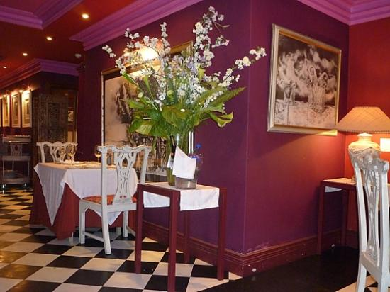 Emily's: Ambiance Restaurant