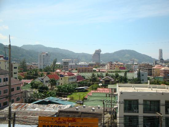 Swiss Villas Panoramic: Vue sur Patong ville