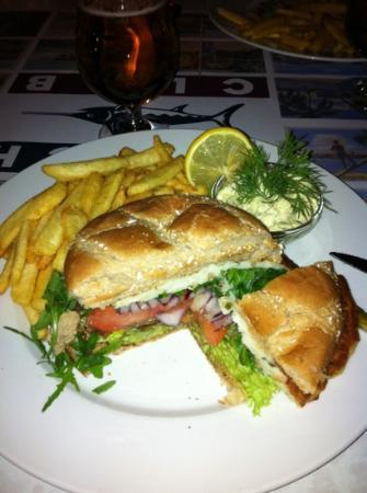 Beach Club Aker Brygge : fishburger
