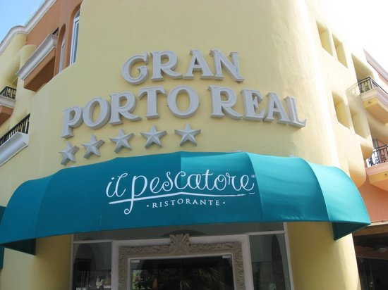 Gran Porto Resort : Front entrace