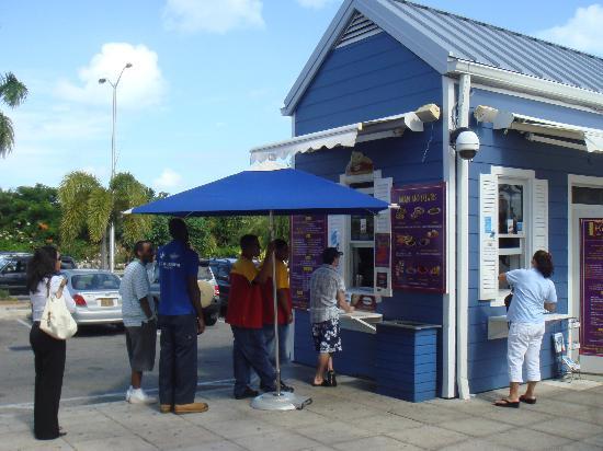 Al La Kebab: Line Outside Restaurant