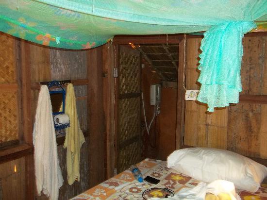 Akha Hill House: Inside The Bamboo Hut