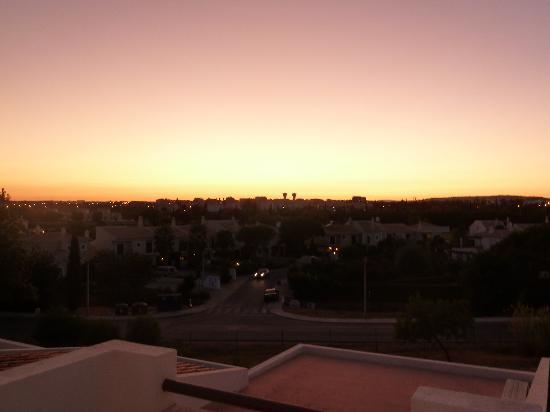 Hotel Apartamentos do Golf: Sunset from our balcony :)