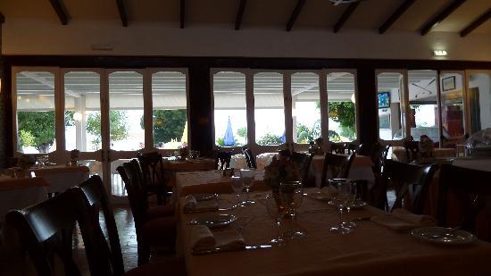 Hotel Apartamentos do Golf: Inside dining area!