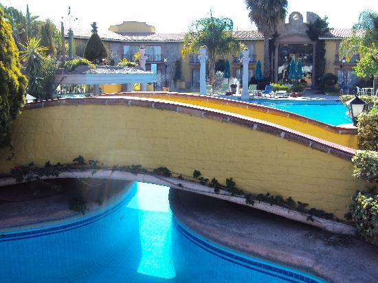 Gran Hotel Hacienda De La Noria: Pools area
