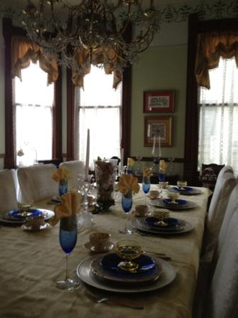 Coppersmith Inn Bed & Breakfast: dining room