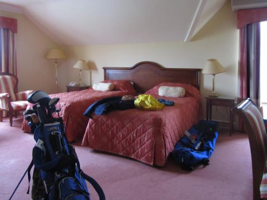 The 19th Lodge: Spacious Bedroom