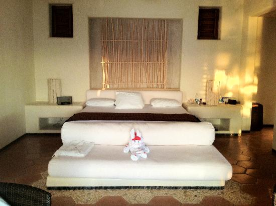Las Palmas Resort & Beach Club: bedroom