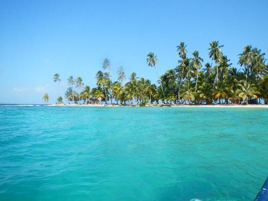 Isla Iguana From The Boat Picture Of San Blas Islands Panama Tripadvisor