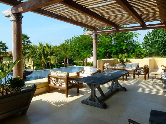 The St. Regis Punta Mita Resort: Varanda