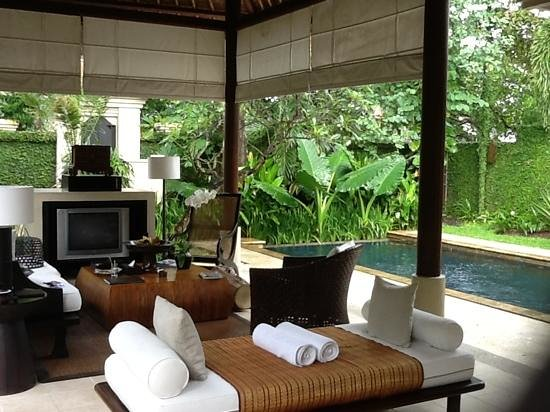 The Gangsa Private Villa by Kayumanis: our living room