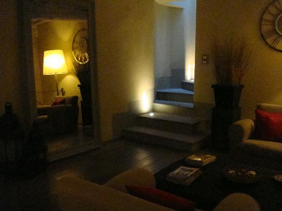 Hotel Villa Sassolini: Cozy reading room