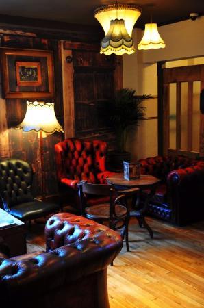 Vulcan Lounge: Soft Seating