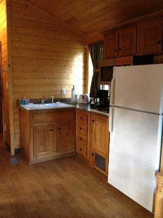 Astoria/Warrenton/Seaside KOA: Kitchen Area