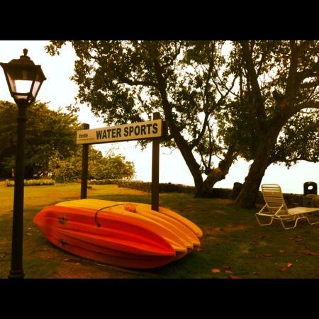 Thistle Port Dickson Resort : English touch