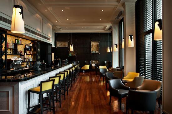 Grand Papua Hotel: The Grand Bar