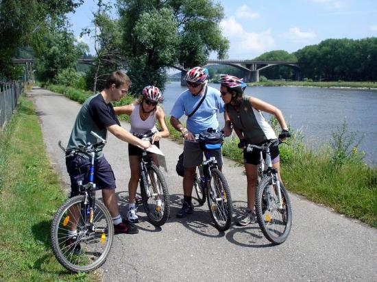 Ave Bicycle Tours - Day Tours: Bikers by Vltava river