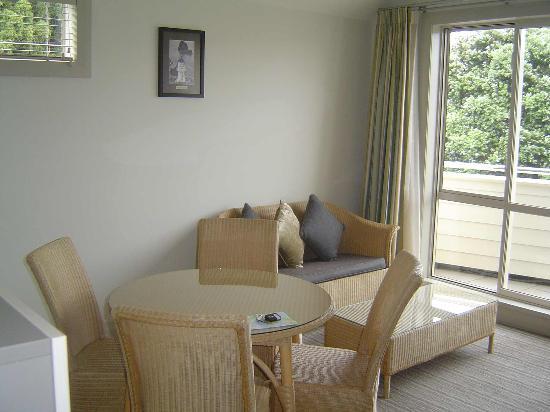 Hananui Lodge and Apartments: Interior 2