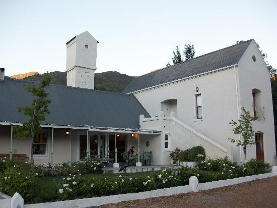 Gooding's Groves Olive Farm & Guest House : Front View of the Guest house