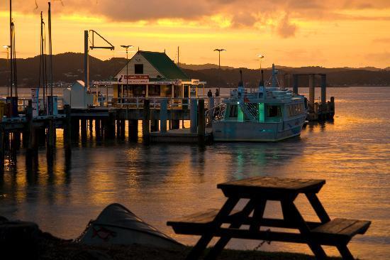 Commodore's Lodge: Sunset