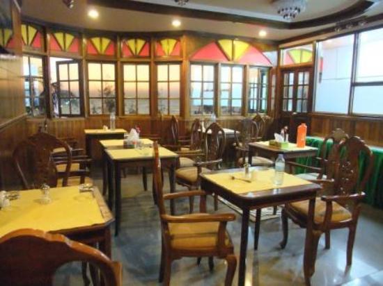 Loona Hotel: 最上階 食事スペース