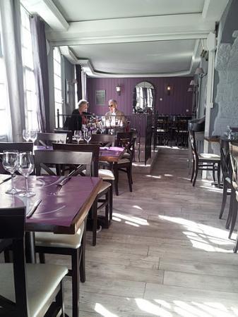 Hotel Restaurant L'O: Interno ristorante