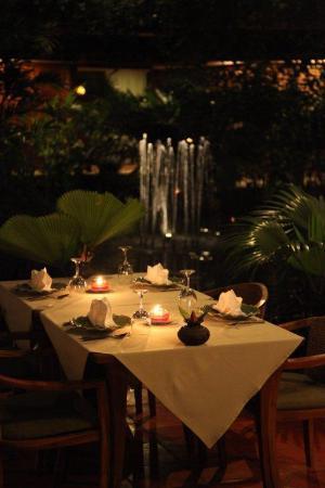 Angkor Village Hotel: Restaurant