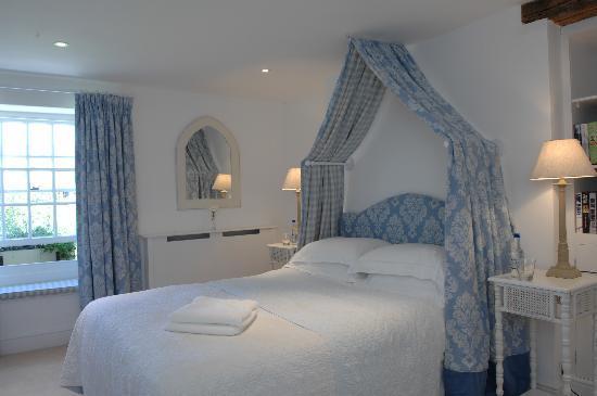 Kingham, UK: Main house bedroom