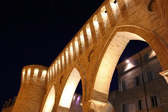 Petritoli, Italy: tre archi