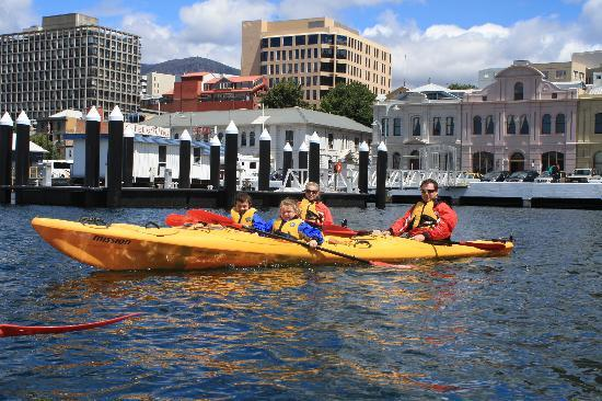 Hobart Urban Adventures Kayak Tour: a happy family paddle