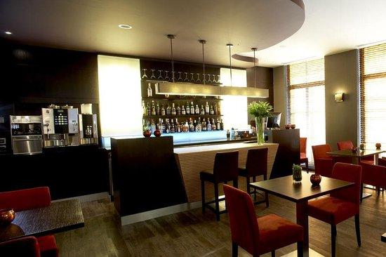 Hotel Harmony: Bar