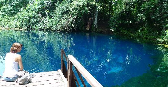 Espiritu Santo, Vanuatu: another blue hole, on the way to Champagne Beach