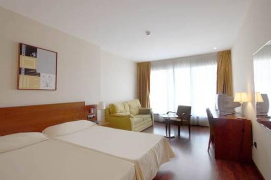 Hotel Suite Camarena Plaza: HABITACION
