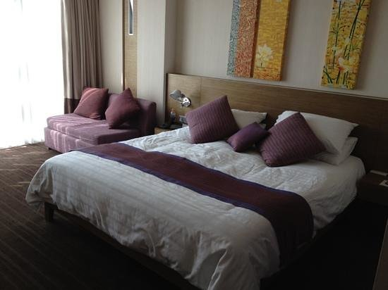 Pullman Bangkok King Power: our 1st room on 1st stay