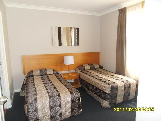 Hillarys Harbour Resort: Twin bedroom