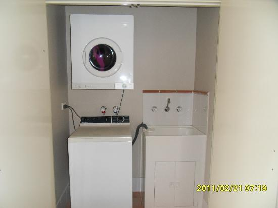 Hillarys Harbour Resort: Washer/dryer