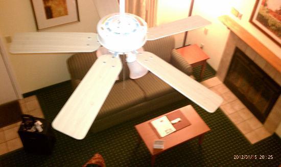 Sonesta ES Suites Cleveland Westlake: View from loft!