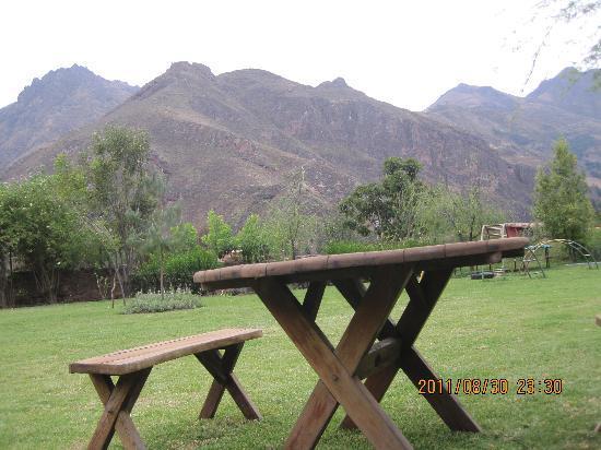 Melissa Wasi: relax en el jardin de la casa principal