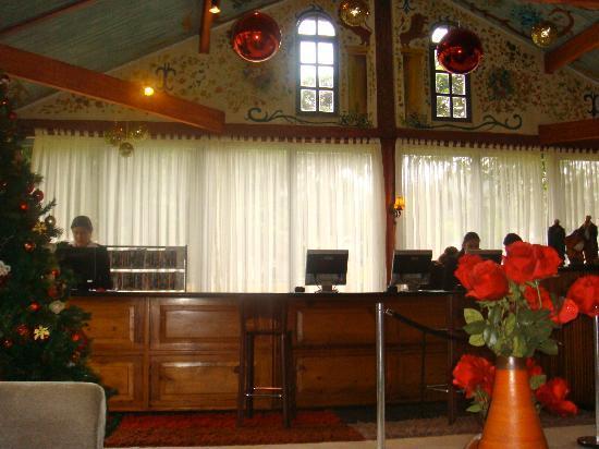 Hotel Village Le Canton: Recepção.