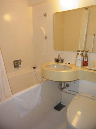 Hotel MyStays Yokohama : nice olive oil / royal jelly shampoo/conditioner/body wash