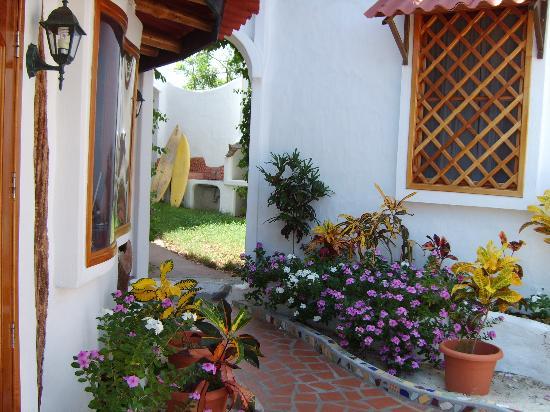 Hotel Mainao: gardens at Mainao Hotel Galapagos