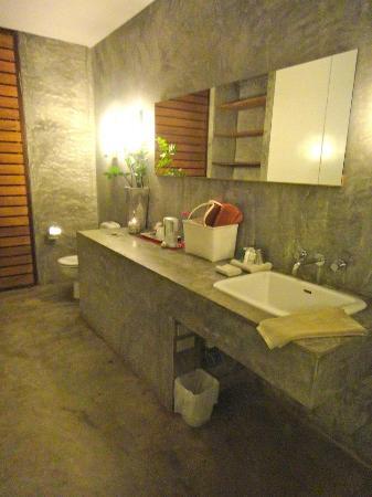 Costa Lanta Bathroom