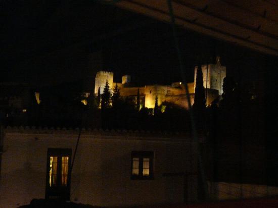 Casa del Aljarife - Granada: Alhambra view from room - best at night