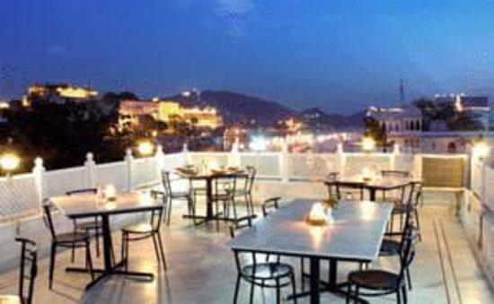 Hotel Thamla Haveli : Roof top restaurant