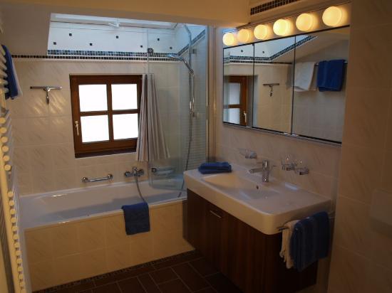 Gästehaus Zum Sommerfrischler: Das Bad in der Jakobs Insel